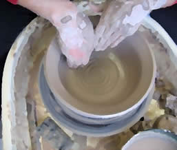 Bowl with spiral paint pallette
